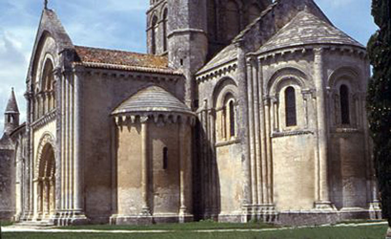 aulnay-ls-church-from-south