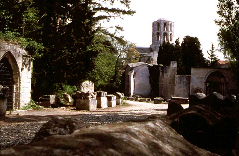 alyscamps-st-honorat-pict